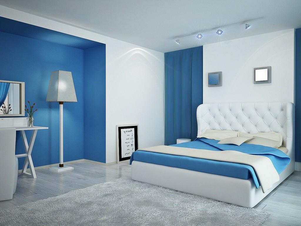 Спальня с голубыми элементами