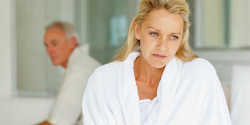 Климакс может вызывать физические и эмоциональные побочные эффекты