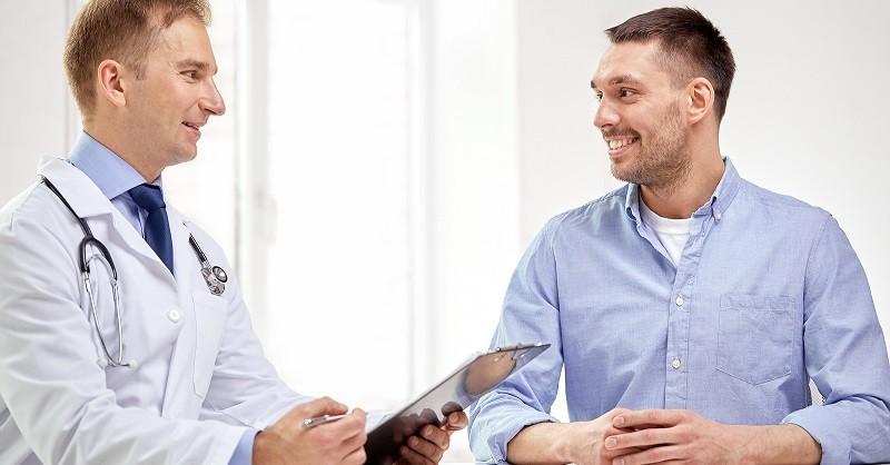 Мужчины с меньшей вероятностью обращаются к врачу