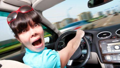 Кто лучше водит автомобиль: мужчина или женщина?