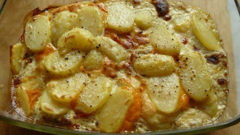 Картофель, запеченный в духовке с сыром — рецепт