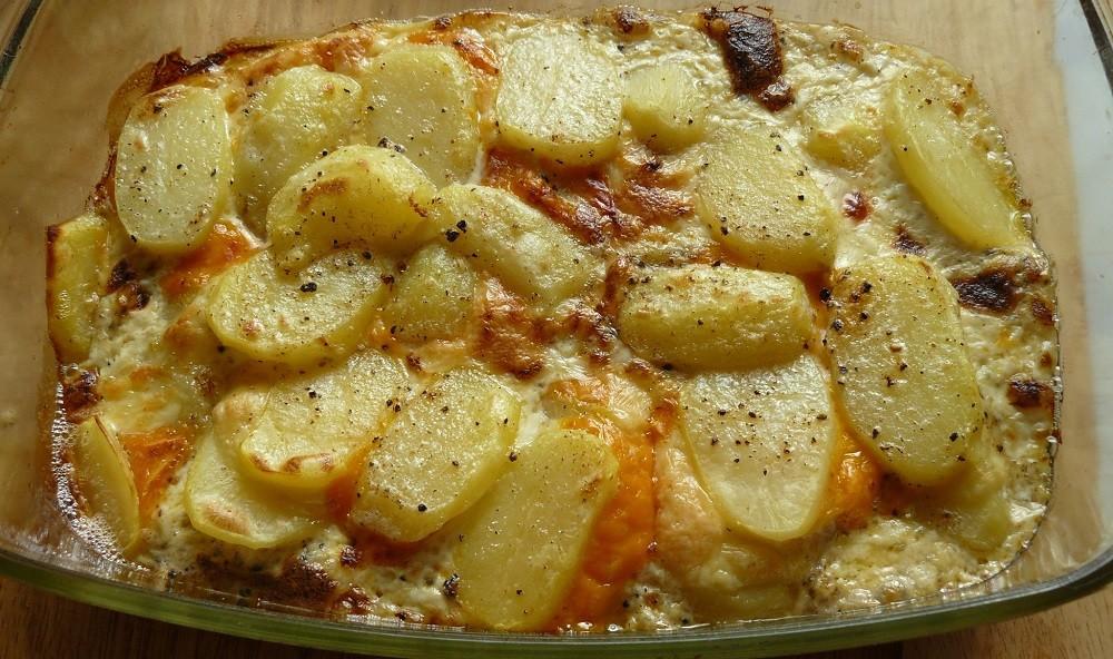 Картофель с сыром в духовке, фото