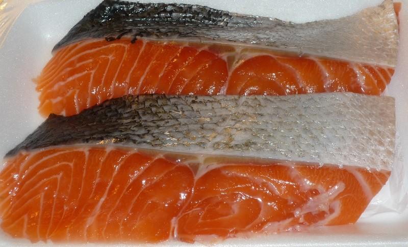 Можно ли есть кожу лосося?