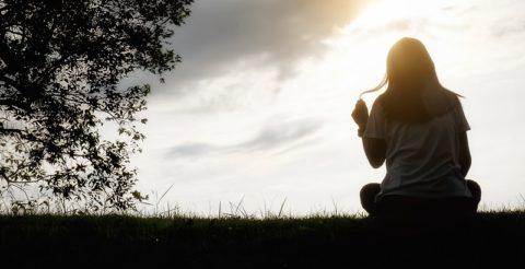 Как перестать думать человеке: 11 способов