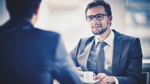 Как расположить к себе собеседника: 14 советов психологов