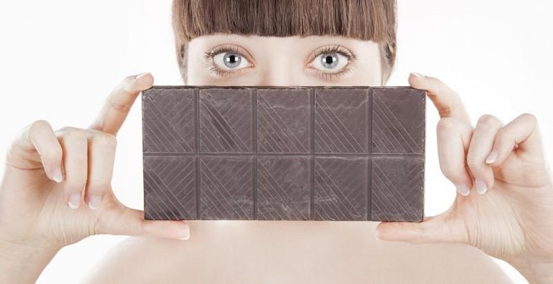 Черный шоколад повышает зрение