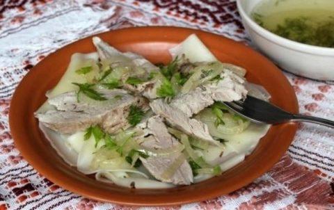 Как приготовить бешбармак с курицей: пошаговый рецепт