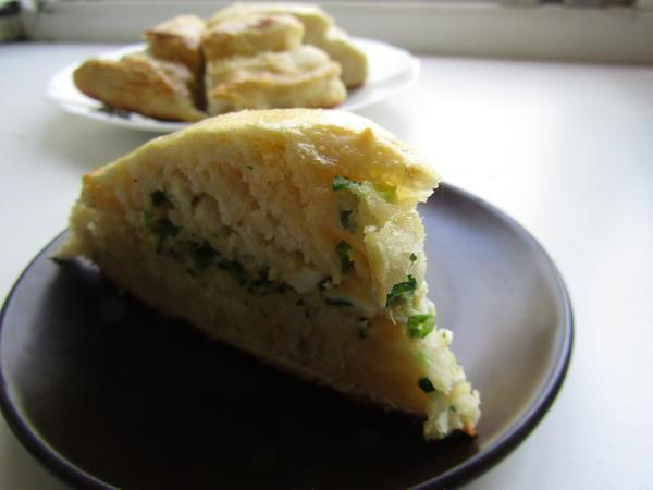 Пирог «Весенний» с луком и яйцами