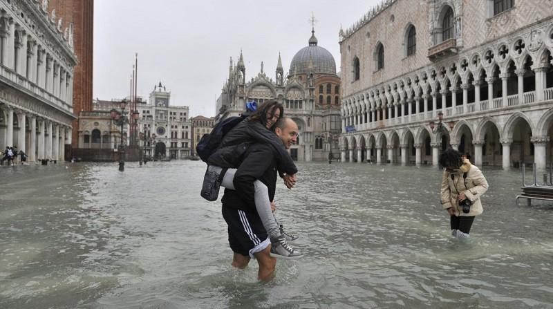 Венецию затапливает