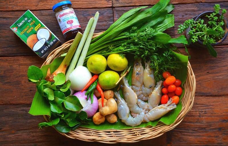 Основные ингридиенты для классического рецепта супа Том Ям