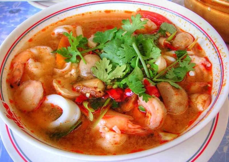 Суп Том Ям с морским коктейлем