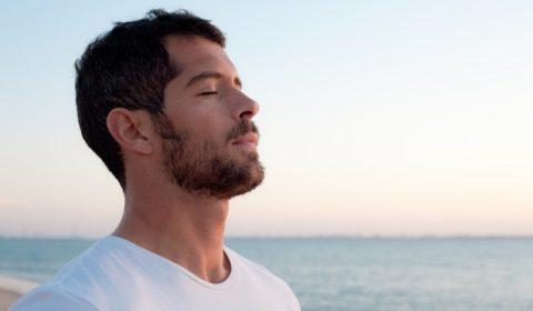 Удалите 70% токсинов с помощью простых дыхательных упражениний