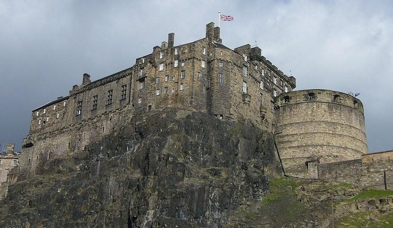 Эдинбургский замок - интересные факты