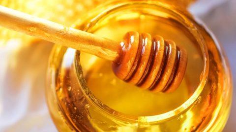 Маски для волос с медом: приготовление и применение в домашних условиях