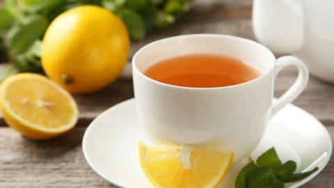 Почему стоит начать пить чай с лимоном каждый день