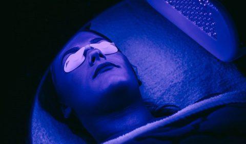 Фототерапия — что это, показания и противопоказания, методика, рекомендации