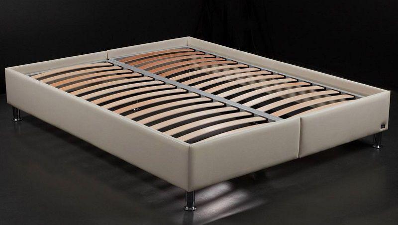 Кровать с основанием из ламинелей