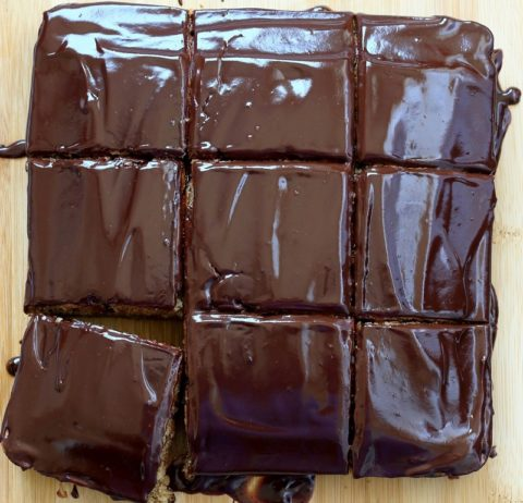 Торт «Сникерс» — рецепт пошагово