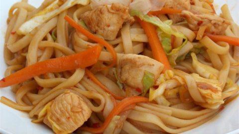 Рецепт лапши удон с курицей и овощами