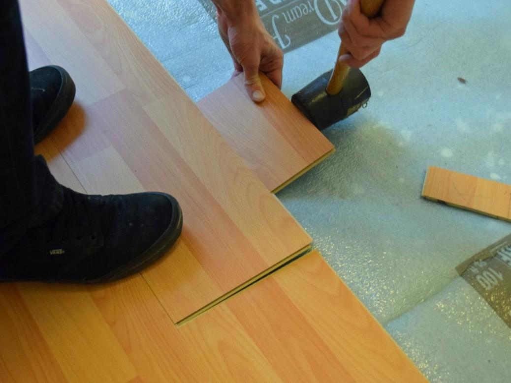 Как положить ламинат на бетонный пол - НашПол 72