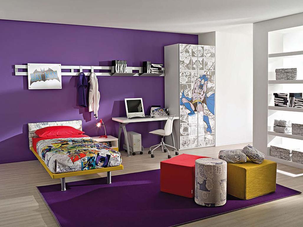 Фиолетовые элементы в комнате