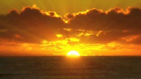 Счастье связано с солнечным светом