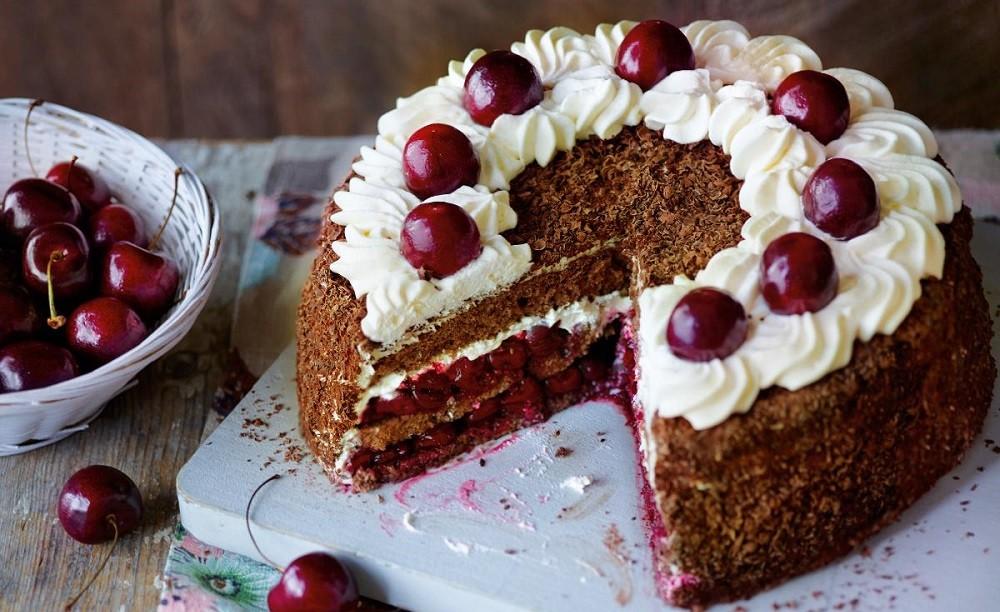 Шоколадный торт «Черный лес», фото