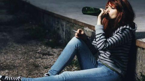 Подростки, которые употребляют алкоголь и наркотики с меньшей вероятностью добиваются успеха