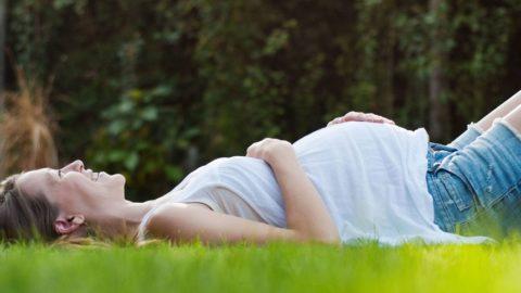Образ жизни матери влияет на здоровье как её самой, так и плода
