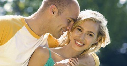 Как понять, что нравишься парню: признаки, советы