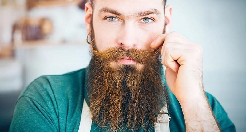 Касторовое масло помогает росту бороды