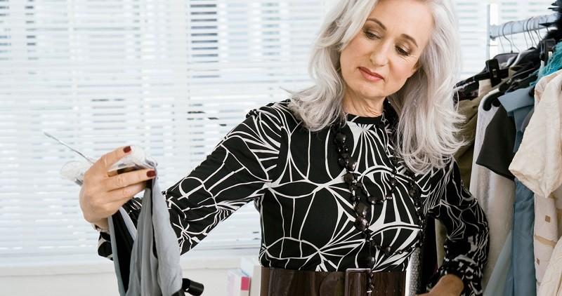 Как с помощью одежды выглядеть моложе